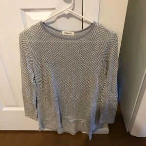 Long sleeve grey and white zig zag sweater